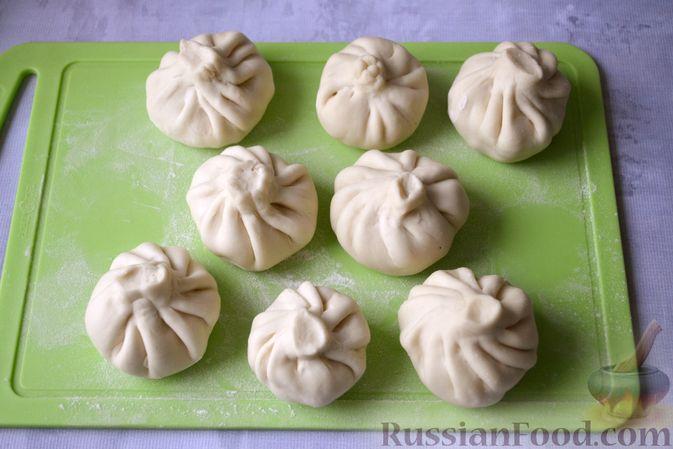 Фото приготовления рецепта: Хинкали с картофелем и сыром сулугуни - шаг №18