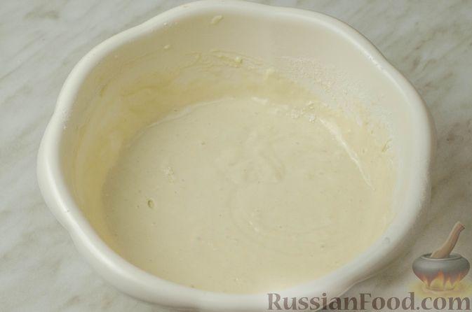 Фото приготовления рецепта: Запеканка-пирог из куриного филе с плавленым сыром - шаг №6