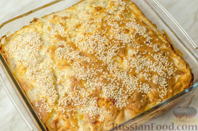 Фото приготовления рецепта: Запеканка-пирог из куриного филе с плавленым сыром - шаг №12
