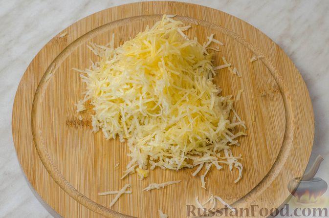 Фото приготовления рецепта: Котлеты из мясного фарша с репой - шаг №4
