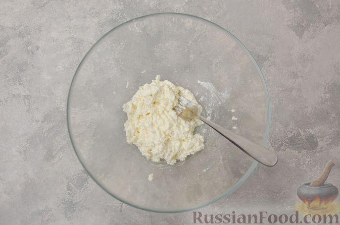 Фото приготовления рецепта: Вареники со шпинатом, творогом и рассольным сыром - шаг №7