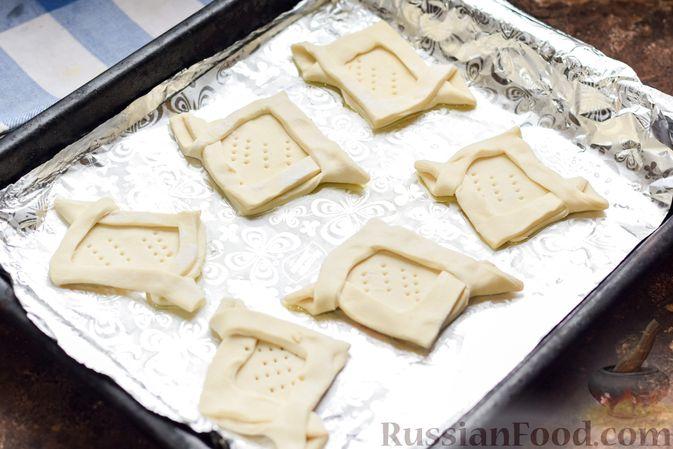 Фото приготовления рецепта: Слоёные тарталетки-лодочки с говядиной в томатном соусе - шаг №12