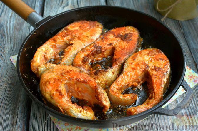 Фото приготовления рецепта: Запечённая форель с соусом из авокадо и базилика - шаг №11