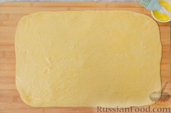 Фото приготовления рецепта: Отрывной сладкий хлеб с сахарной корочкой - шаг №14