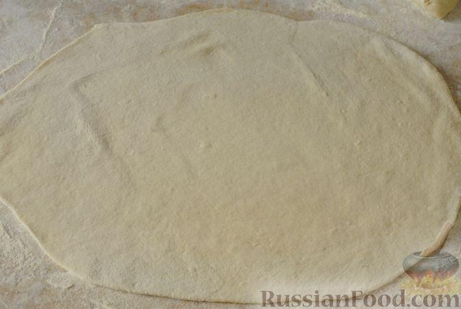 Фото приготовления рецепта: Вареники с черносливом и творогом - шаг №10