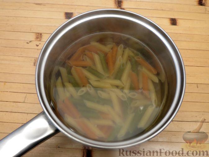 Фото приготовления рецепта: Макароны по-флотски с мясным фаршем (в духовке) - шаг №2