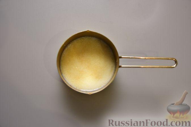 Фото приготовления рецепта: Творожный мусс с финиками, кокосовой стружкой и какао - шаг №2