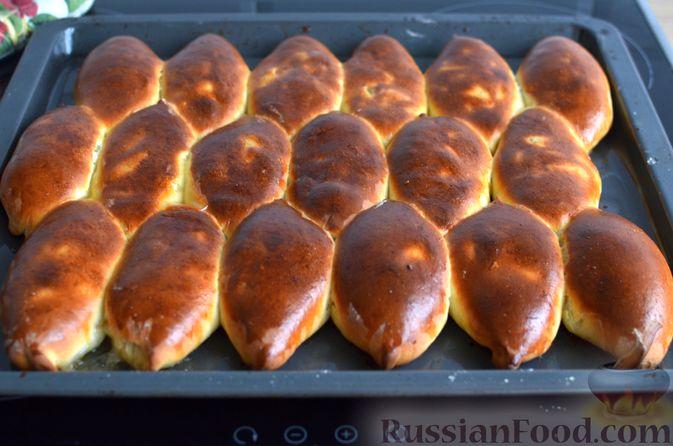 Фото приготовления рецепта: Творожные дрожжевые пирожки с апельсинами - шаг №18