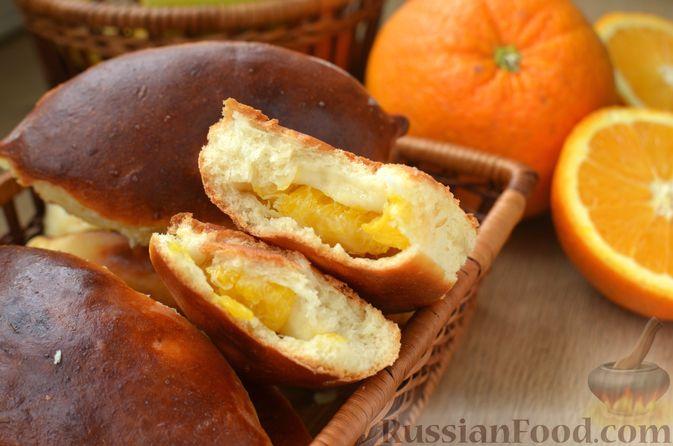 Фото приготовления рецепта: Творожные дрожжевые пирожки с апельсинами - шаг №19