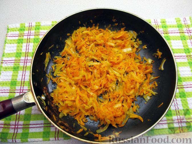Фото приготовления рецепта: Куриные зразы с морковно-луковой начинкой - шаг №3