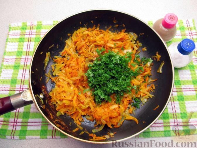 Фото приготовления рецепта: Куриные зразы с морковно-луковой начинкой - шаг №5