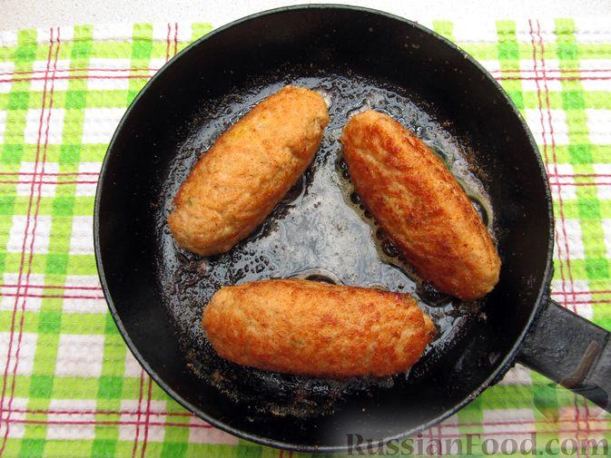 Фото приготовления рецепта: Куриные зразы с морковно-луковой начинкой - шаг №14