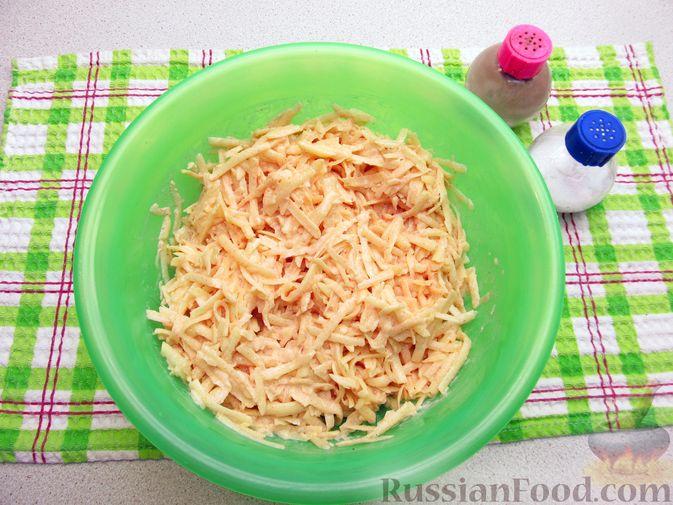 Фото приготовления рецепта: Картофельная запеканка с мясным фаршем и замороженными овощами - шаг №8