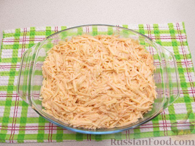 Фото приготовления рецепта: Картофельная запеканка с мясным фаршем и замороженными овощами - шаг №10