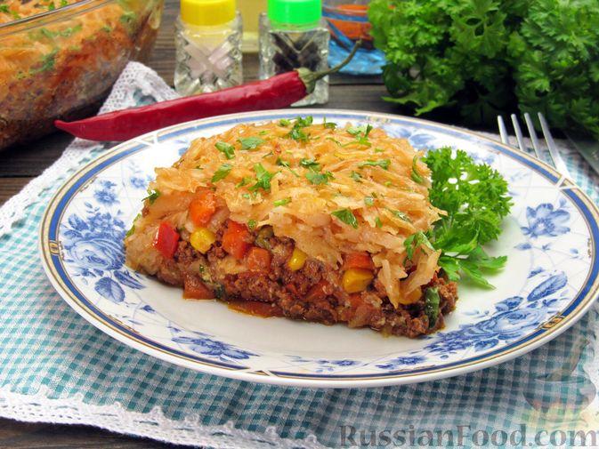 Фото приготовления рецепта: Картофельная запеканка с мясным фаршем и замороженными овощами - шаг №14