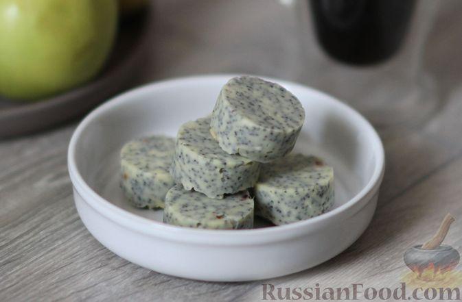 Фото приготовления рецепта: Конфеты с белым шоколадом, маком и лимонным курдом - шаг №17