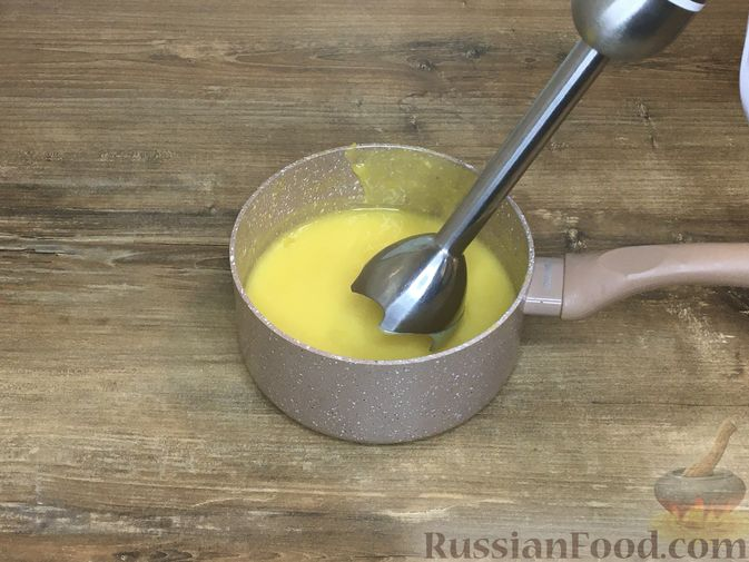 """Фото приготовления рецепта: Пирожные """"Корзиночки"""" с лимонным заварным кремом и безе - шаг №19"""