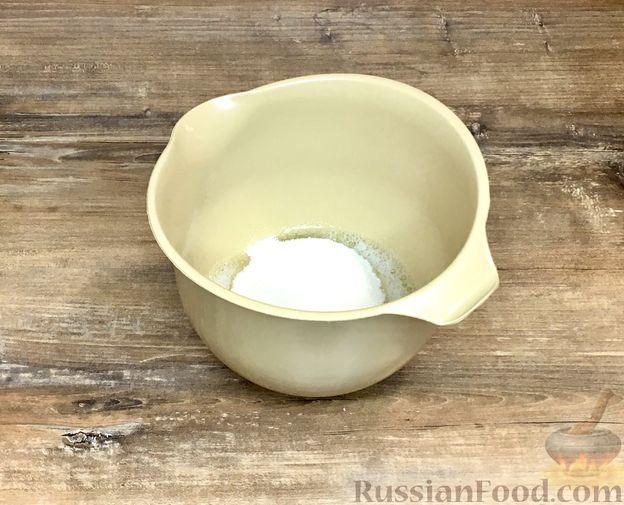 """Фото приготовления рецепта: Пирожные """"Корзиночки"""" с лимонным заварным кремом и безе - шаг №29"""