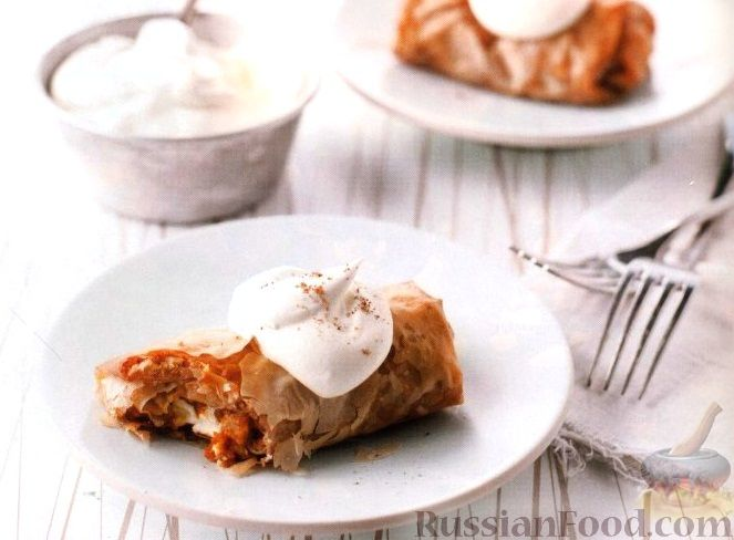 Рецепт Штрудель с тыквой, сливочным сыром и орехами
