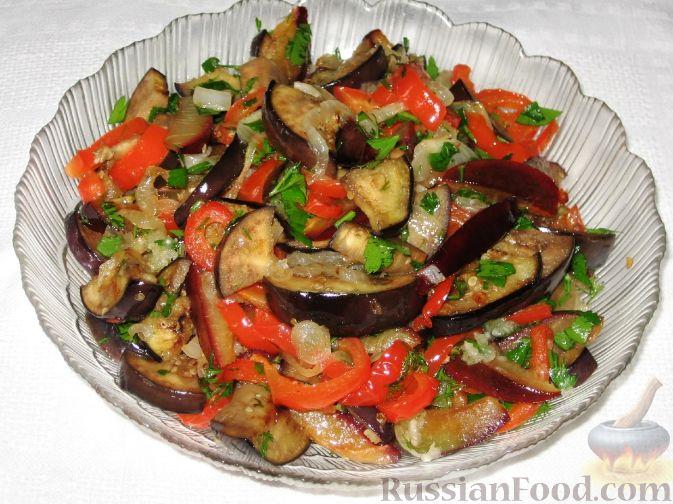 Фото приготовления рецепта: Сливово-баклажанный салат - шаг №7