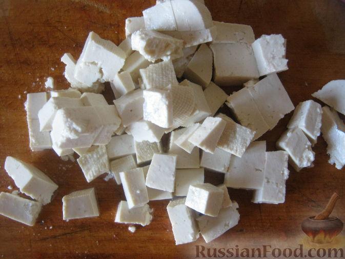 Фото приготовления рецепта: Салат из баклажанов и брынзы - шаг №8