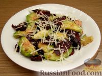 Фото к рецепту: Салат из авокадо со свеклой