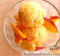 Фото к рецепту: Йогуртовое мороженое с фруктами