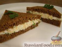 Фото к рецепту: Тосты с яичным салатом