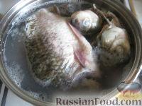 Фото приготовления рецепта: Уха из карася - шаг №4