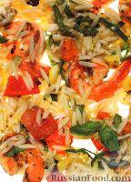Фото к рецепту: Паста орцо с креветками и овощами, приготовленными на гриле