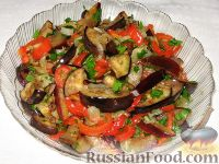 Фото к рецепту: Сливово-баклажанный салат