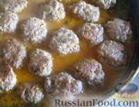 Фото к рецепту: Мясные тефтели с сыром