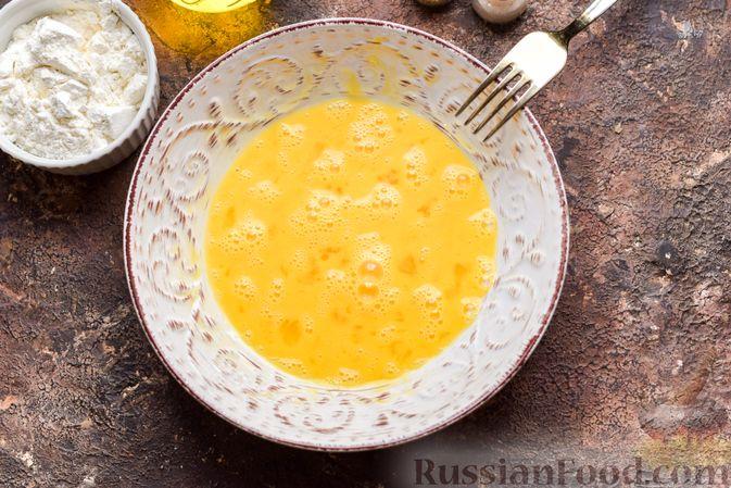 Фото изготовления рецепта: Сосиски в кляре, жаренные во фритюре - шаг №2