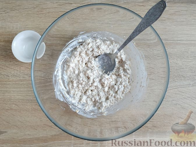 Фото изготовления рецепта: Овсяно-яблоковые маффины на кефире, с мёдом - шаг №5