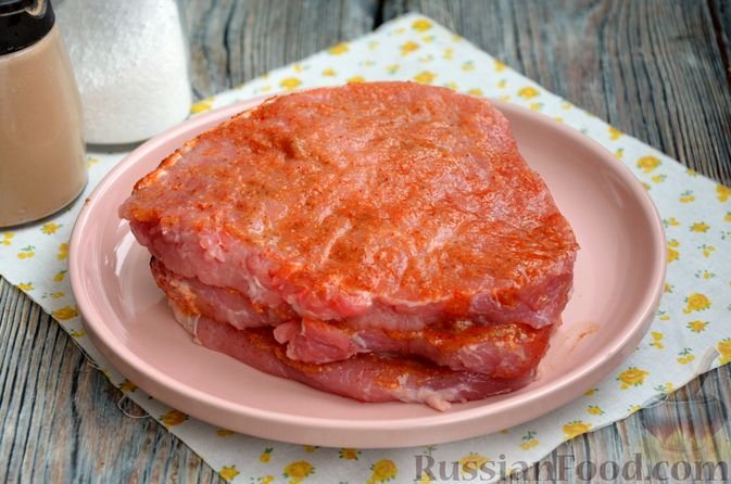 Фото изготовления рецепта: Шницель из свинины в хлебной панировке - шаг №6