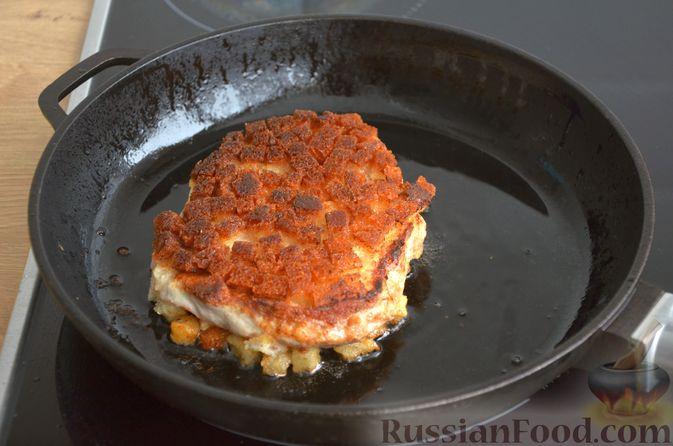 Фото изготовления рецепта: Шницель из свинины в хлебной панировке - шаг №13