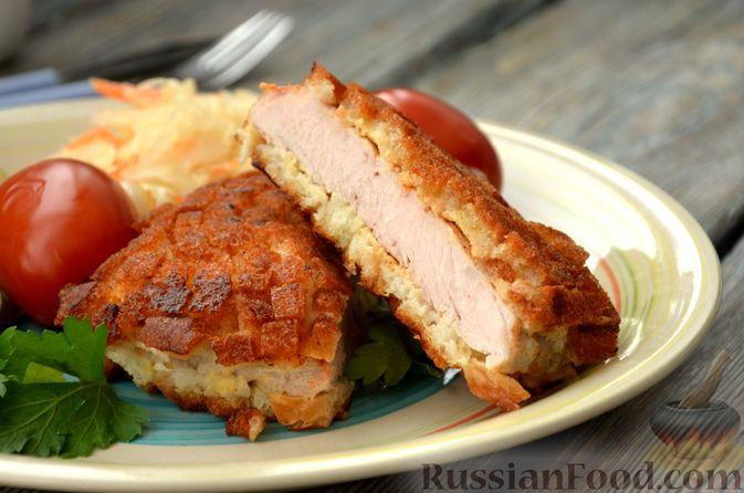 Фото изготовления рецепта: Шницель из свинины в хлебной панировке - шаг №18
