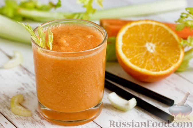 Фото изготовления рецепта: Смузи из моркови и сельдерея, с апельсинным соком и мёдом - шаг №8