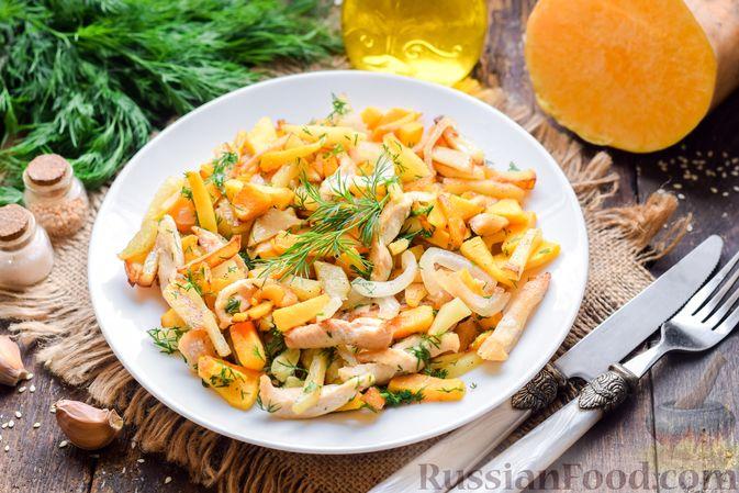 Фото изготовления рецепта: Жареная картофель с тыквой и курицей - шаг №12