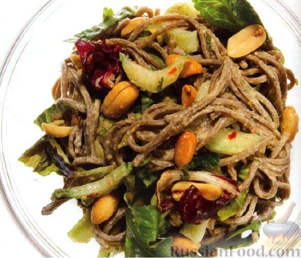 Рецепт Салат с зеленью и лапшой соба