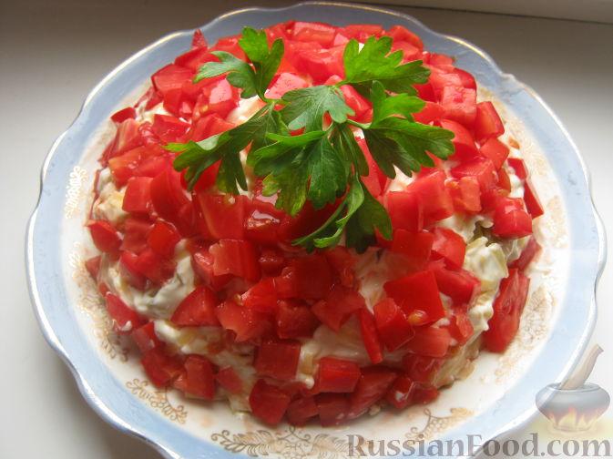 Рецепт Слоеный салат с курицей «Красная шапочка»