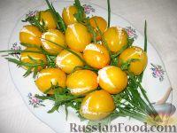"""Фото к рецепту: Закуска из помидоров """"Желтые тюльпаны"""""""
