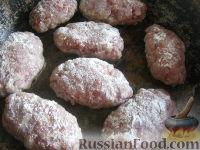 Фото приготовления рецепта: Котлеты в духовке, с секретом - шаг №9