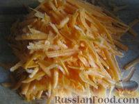 Фото приготовления рецепта: Капуста свежая тушеная - шаг №3