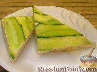 Фото к рецепту: Бутерброд со сливочным сыром и огурцом