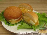 Фото к рецепту: Мини-бургеры с запеченным яйцом