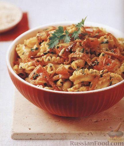 Рецепт Паста (макароны «петушиные гребешки») с беконом и помидорами