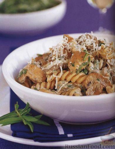 Рецепт Паста фузилли (макароны-спиральки) с курицей и грибами