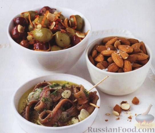 Рецепт Маринованные анчоусы, оливки и соленый миндаль