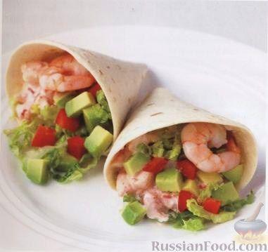 Рецепт Салат из авокадо, сладкого перца и креветок в пшеничных лепешках